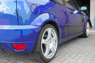 The Ford Focus RS with repaired and refinished wheels